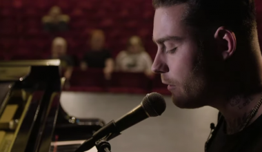 The Netherlands: Douwe Bob releases new anti-bullying song 'Hold On'
